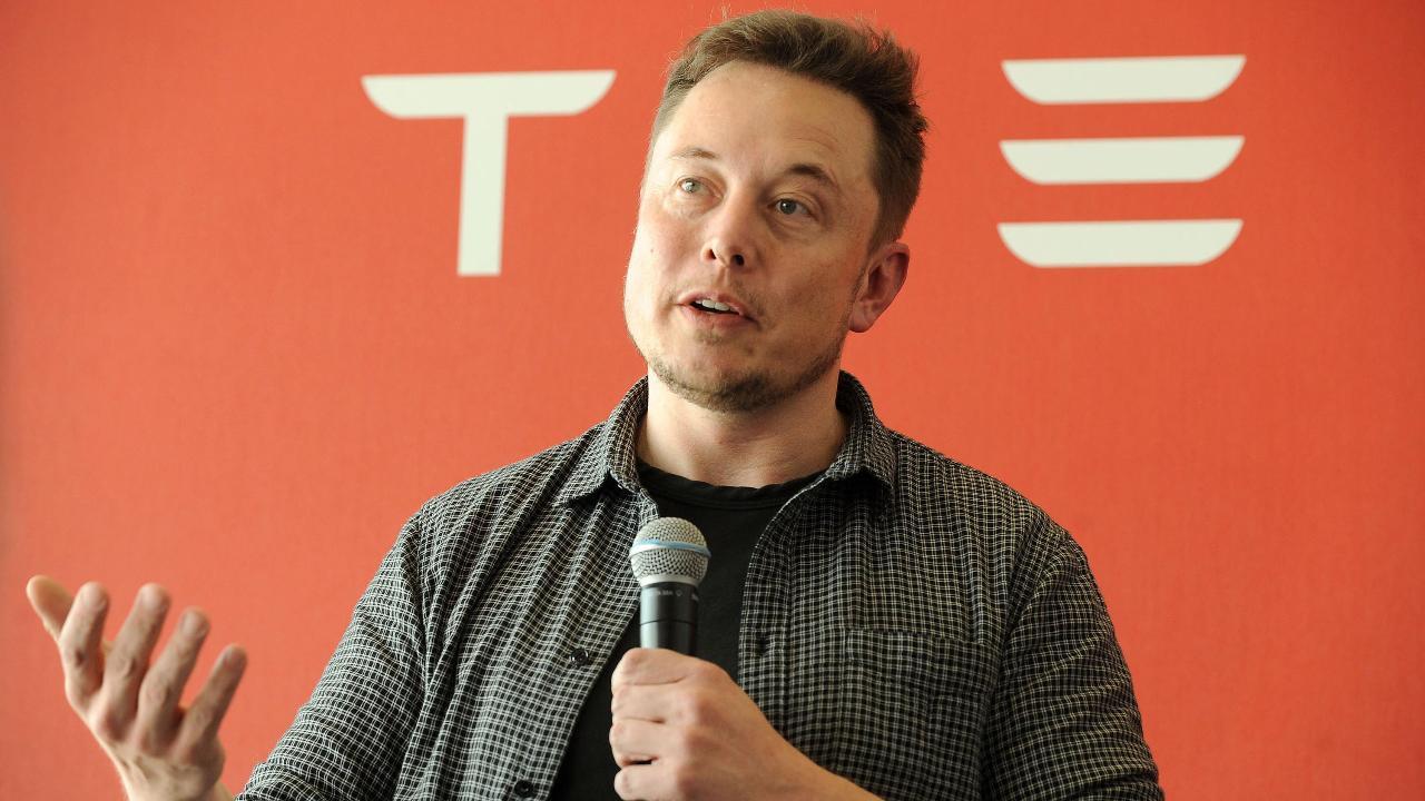 FBN's Liz MacDonald on Tesla CEO Elon Musk saying on Twitter he will help fix the water crisis in Flint, Michigan.