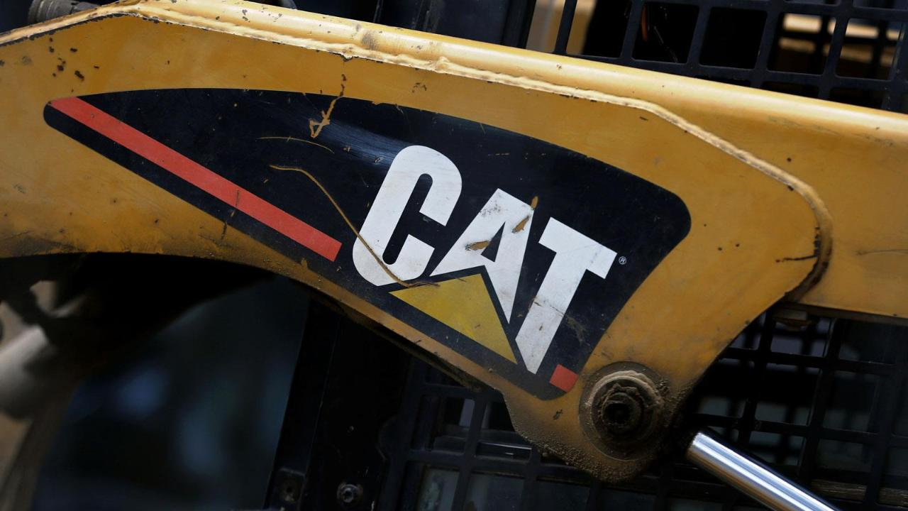 FBN's Cheryl Casone breaks down Caterpillar's second-quarter results.