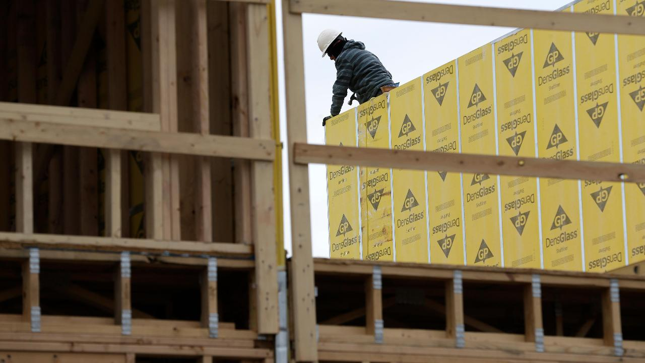 FBN's Cheryl Casone on a Wall Street Journal report on the decline in the number of young people going into careers in construction.