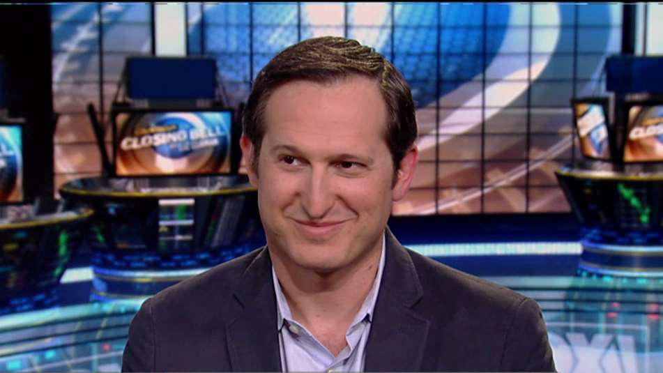 DraftKings CEO Jason Robins discusses how sports betting will help his business during the football season.