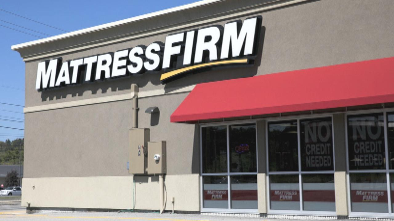 Fox Business Outlook: The largest mattress retailer in the country exploring its money options and reportedly sees bankruptcy as a way to get out of costly leases and shut down some locations.