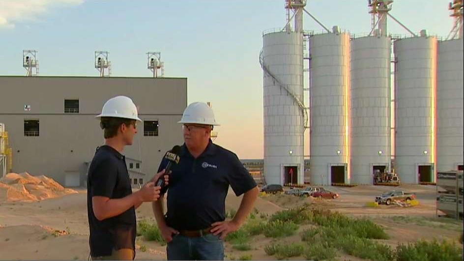 FBN's Connell McShane talks to Hi-Crush Partners Plant Manager Greg Edwards about the big business of the sand used in fracking.