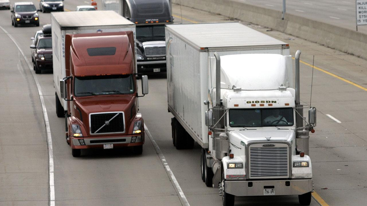 Fox News' Kevin Corke reports on the growing truck driver shortage in the United States.