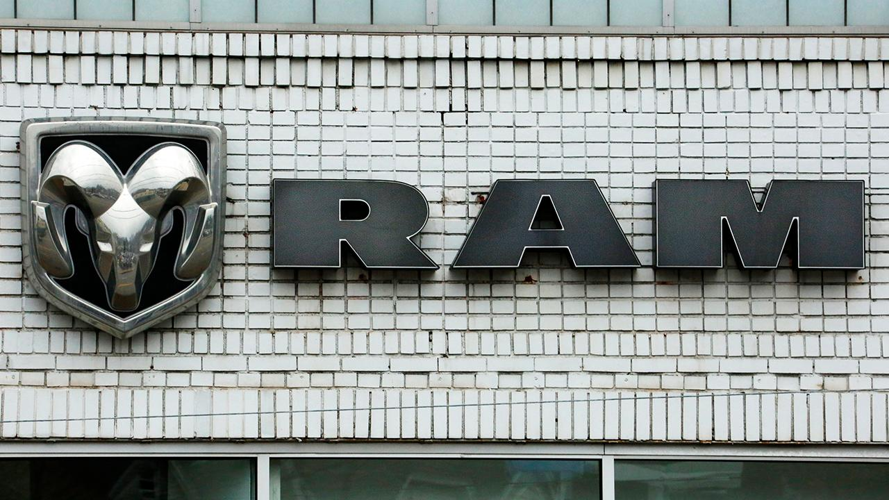Fox Business Outlook: Fiat Chrysler recalls Ram pickups because tailgates with power locks can open while the trucks are moving.