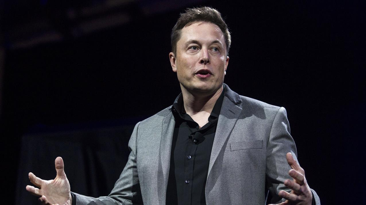 Billionaire investor Sam Zell says he would have been imprisoned if he had followed Tesla CEO Elon Musk when announcing taking a company private.