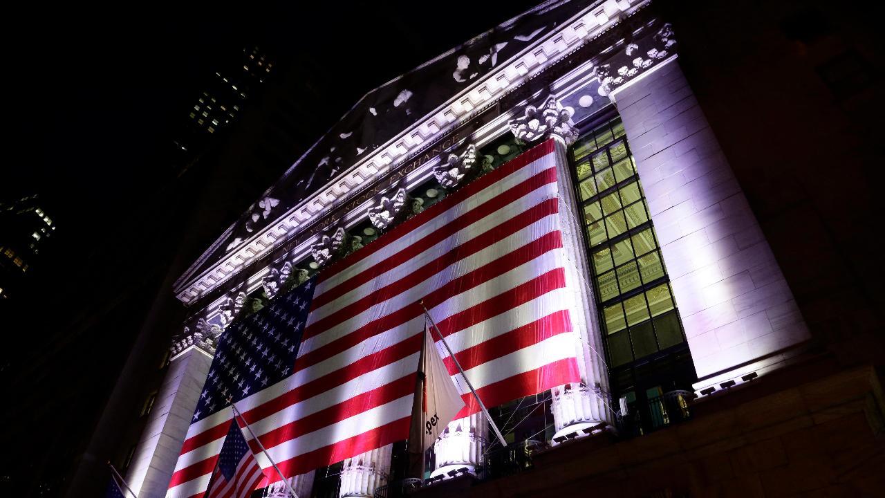 Former Obama economic adviser Austan Goolsbee and former Reagan economic adviser Art Laffer on the economy under President Trump versus under President Obama and the impact of Trump's tariffs.