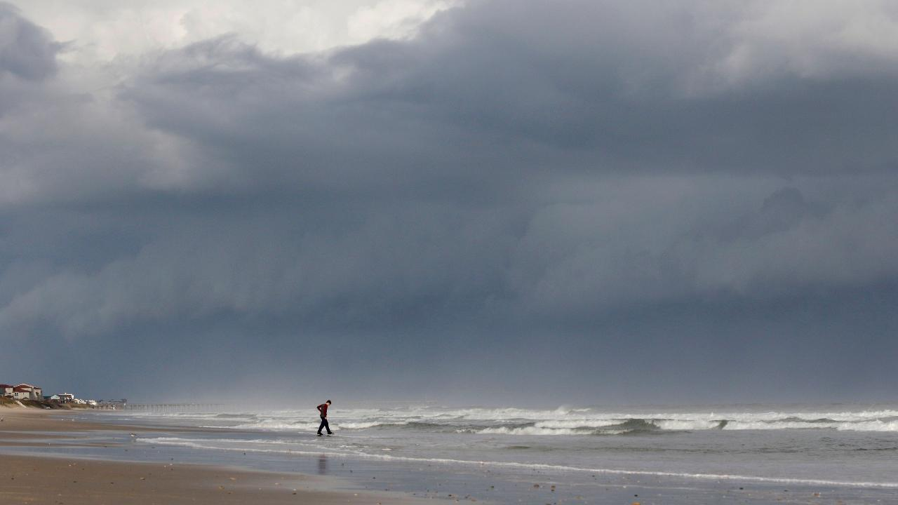 What is it like to be in the eye of a hurricane?  FBN's Jeff Flock reports from Carolina Beach, North Carolina.