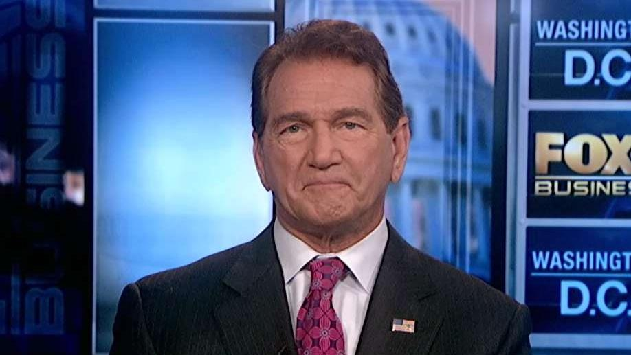 Former star quarterback Joe Theismann on why he disagrees with the NFL's new roughing the passer penalty.