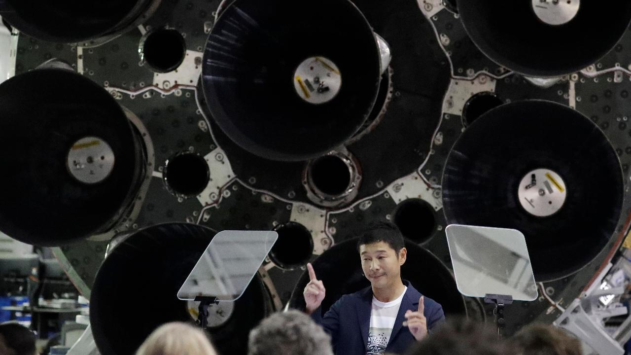FBN's Cheryl Casone on how SpaceX announced that it would take Japanese billionaire Yusaku Maezawa on a trip around the Moon.