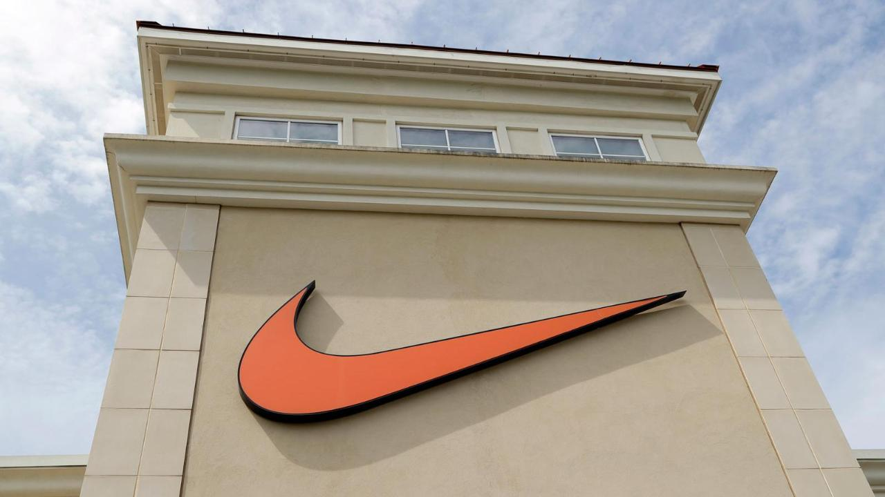 Nike CEO Mark Parker pledges to save Oregon's 30-year-old sanctuary law.