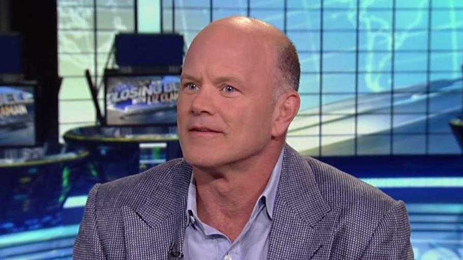 Galaxy Digital CEO Mike Novogratz discusses the pattern of staggered market selloffs and says investors should expect to see a continued decline in tech stocks.