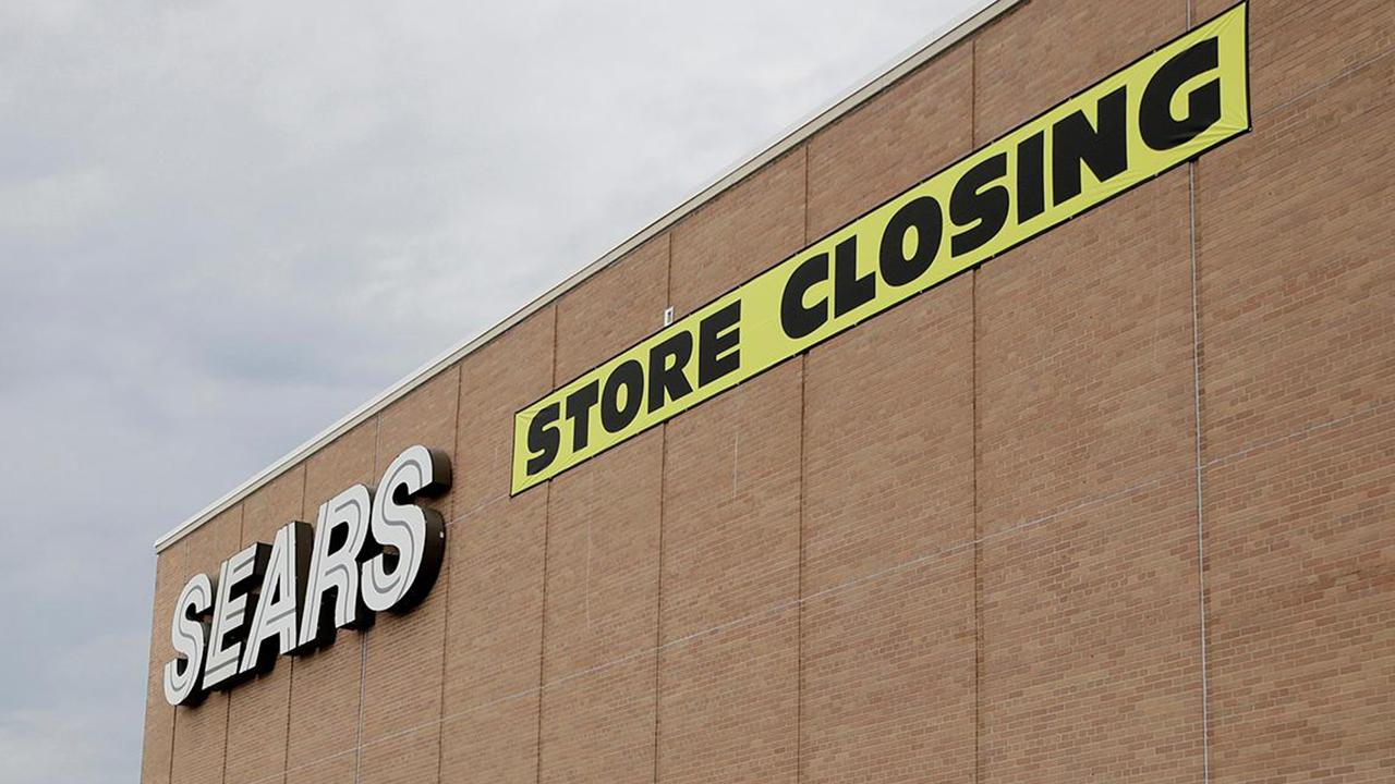 Morning Business Outlook: Sears announces it will close the doors of another 40 stores in February in addition to the 142 locations it will be closing at the end of the year; recent survey from Slickdeals finds that the average American expects to spend $520 this upcoming Black Friday.