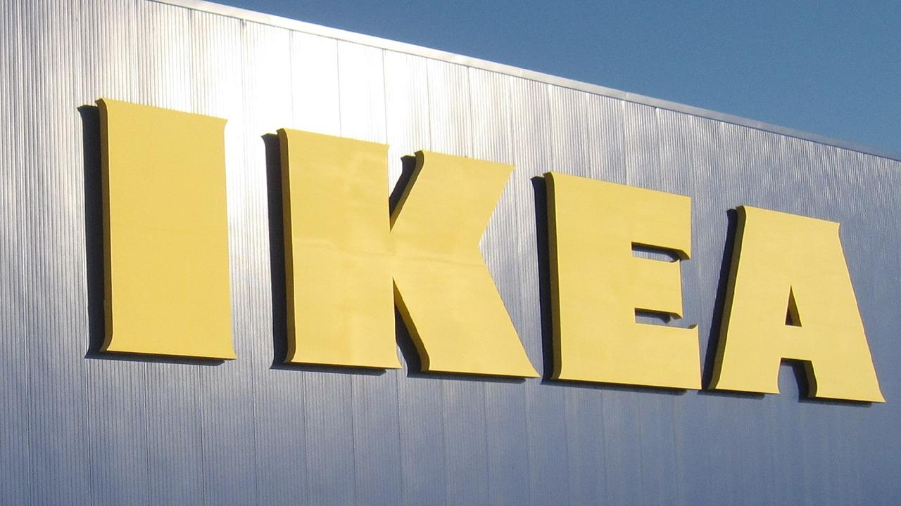IKEA plans to cut 7,500 jobs as part of restructuring at the company.