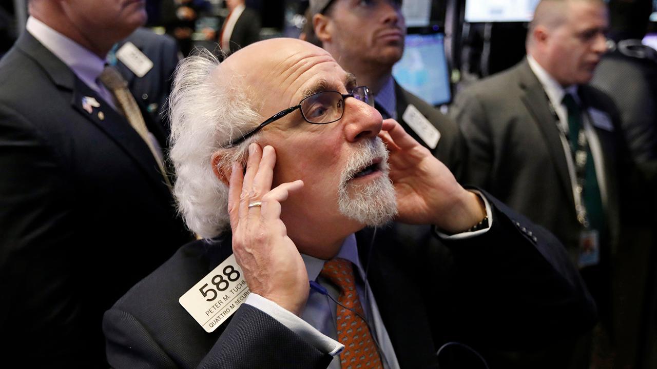 """Bulls & Bears"" panel discuss whether Black Friday sales will help boost U.S. stocks."