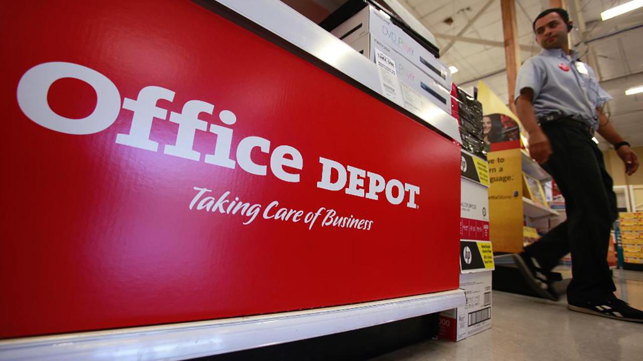 Office Depot CEO Gerry Smith discusses his company's strong third-quarter earnings and how Amazon could be a great opportunity for his business.