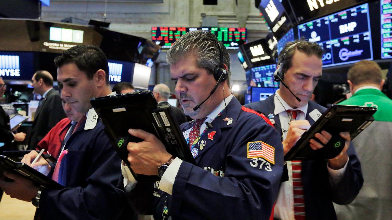 Fundstrat Global Managing Partner Thomas Lee the outlook for stocks.