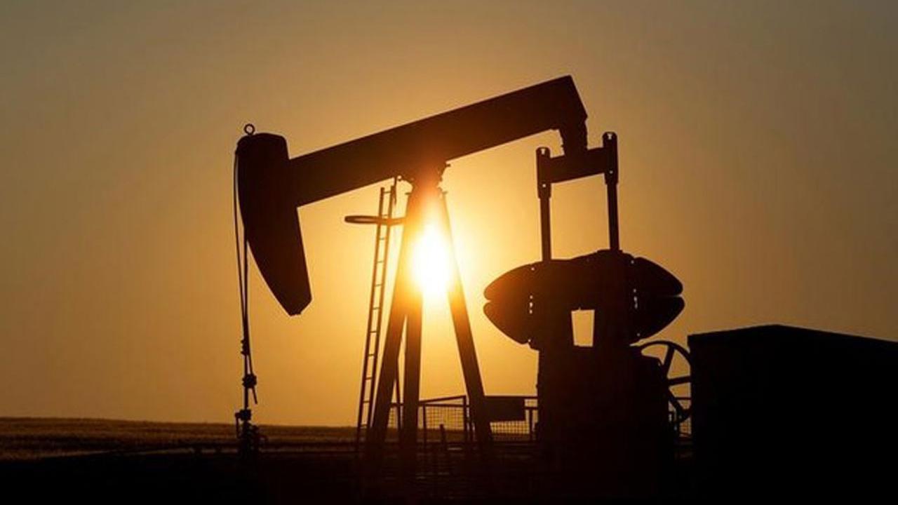 Former Shell Oil President John Hofmeister on the outlook for oil prices.