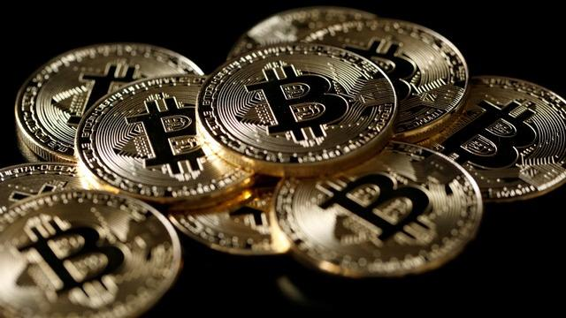 Santa Clara University Finance Professor Atulya Sarin on the outlook for bitcoin.