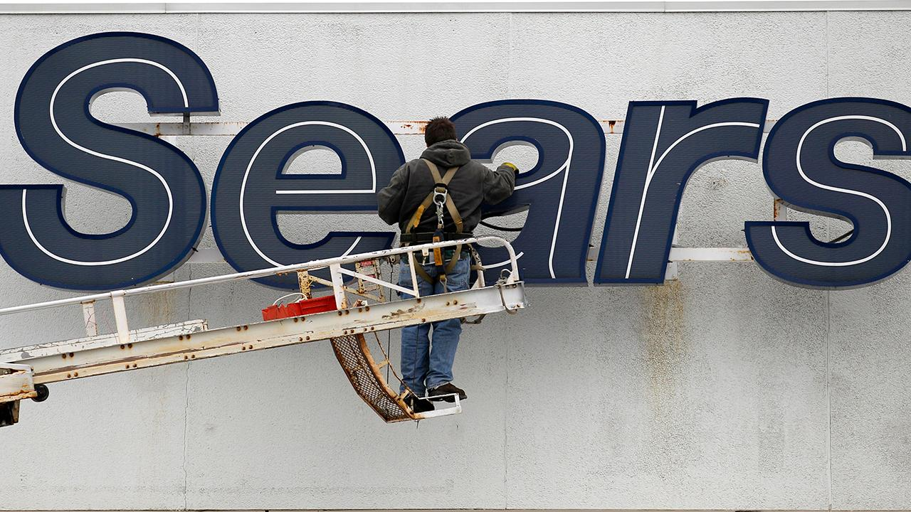 """Bulls and Bears"" panel on how Sears plans to close 80 more stores across the U.S. as the company faces possible liquidation."