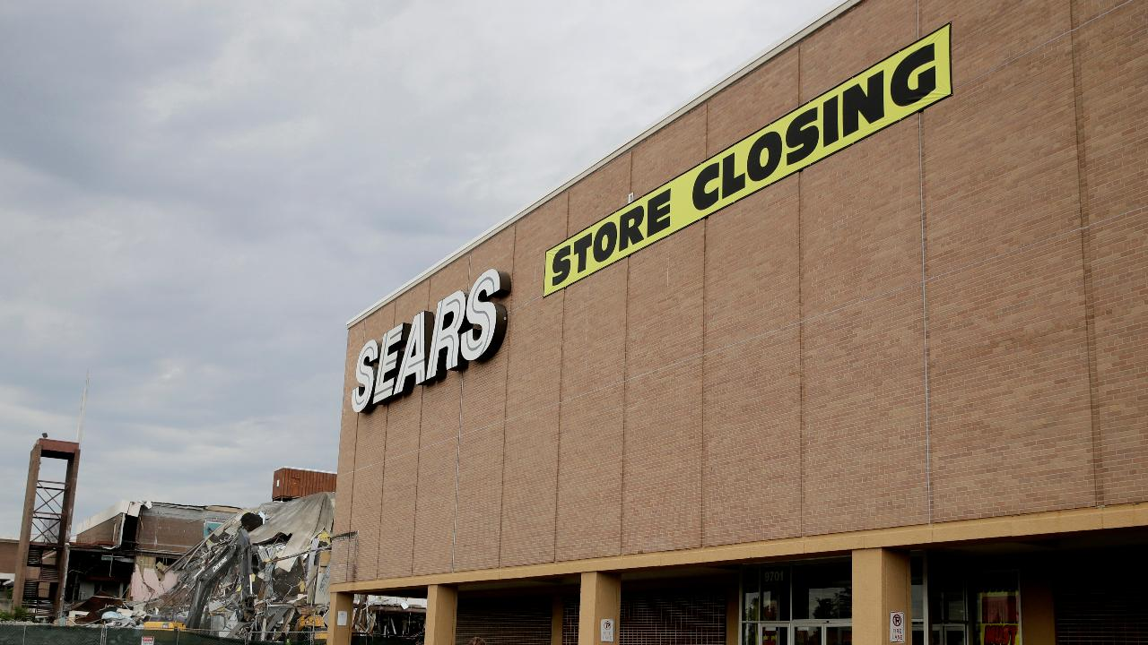 RetailMeNot CEO Marissa Tarleton on the uncertain future for Sears and the latest retail trends.