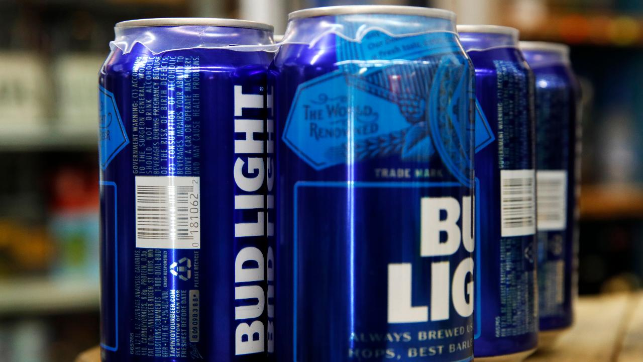 Circle Squared Investments' Jeff Sica on Budweiser's efforts to appeal to healthy beer drinkers by adding nutritional facts on Bud Light labels.