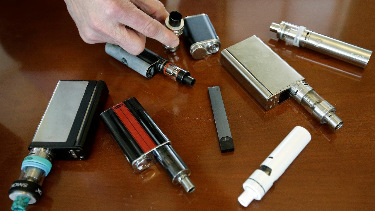 Fox News medical correspondent Dr. Marc Siegel on mounting concerns over youth e-cigarette use.
