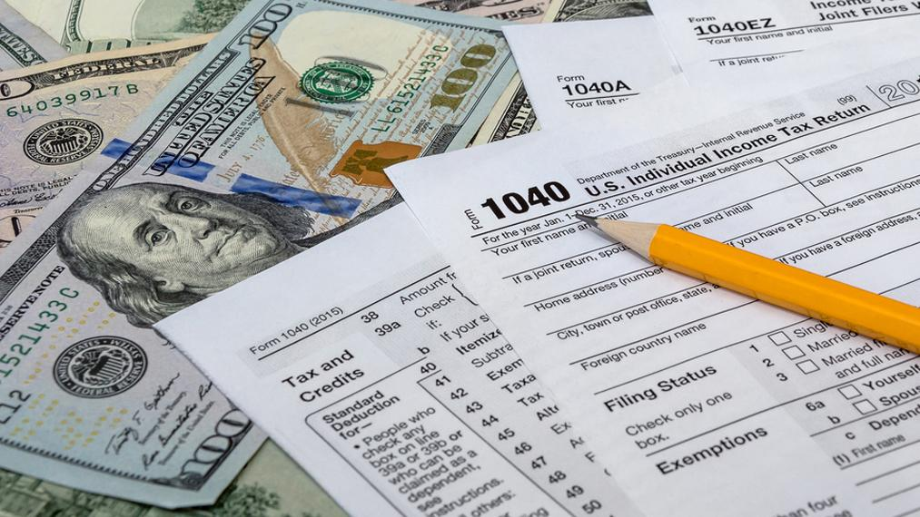 'Positive Financial Karma' author Daniel Geltrude on Americans' concerns about lower tax refunds this year compared to last year.