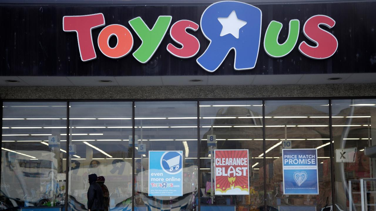 "Toy Association CEO Steve Pasierb on the comeback of the Toys ""R"" Us as ""Tru Kids"" and the outlook for Mattel."