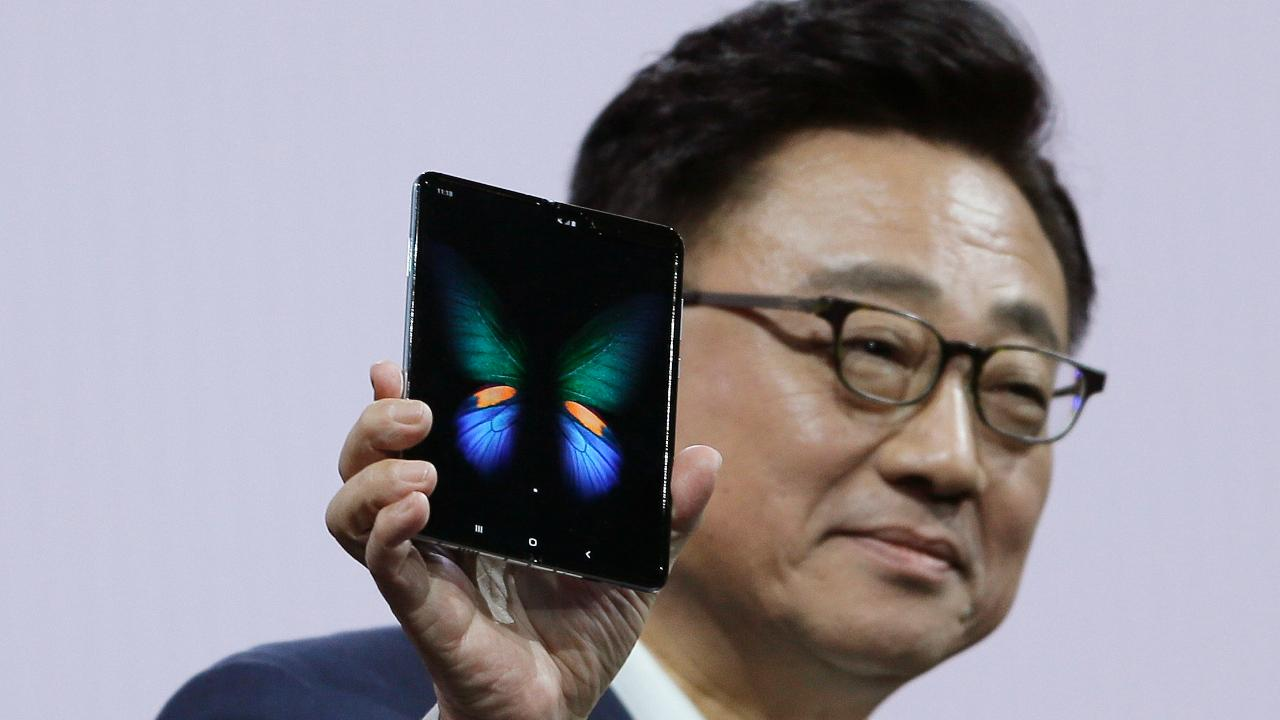 Tech analyst Shana Glenzer on Samsung's new foldable smartphone the Galaxy Fold.