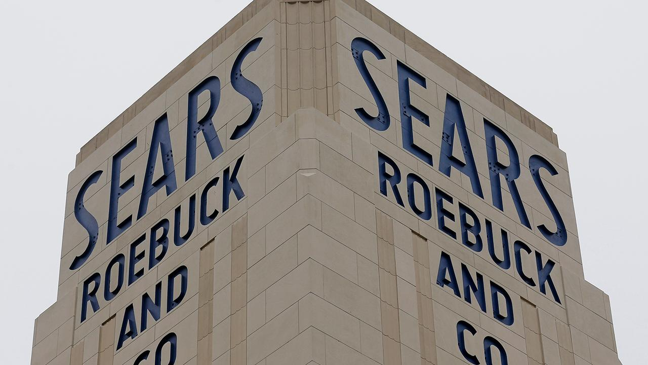 Morning Business Outlook: Judge signs off on a bid that will keep over 400 Sears stores open and help 45,000 employees keep their jobs; Amazon CEO Jeff Bezos says the National Enquirer's owner threatened to release his private nude photos.