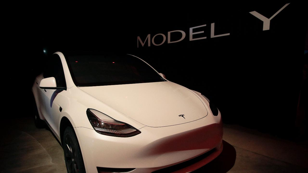 Cheddar CEO Jon Steinberg and Benchmark Managing Partner Kevin Kelly on Tesla's new Model Y and speculation of a potential electric Ford Mustang.