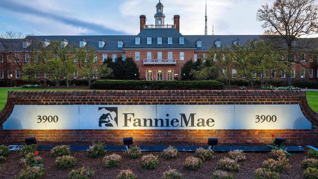 FBN's Charlie Gasparino on President Trump's efforts to reform Fannie Mae and Freddie Mac.
