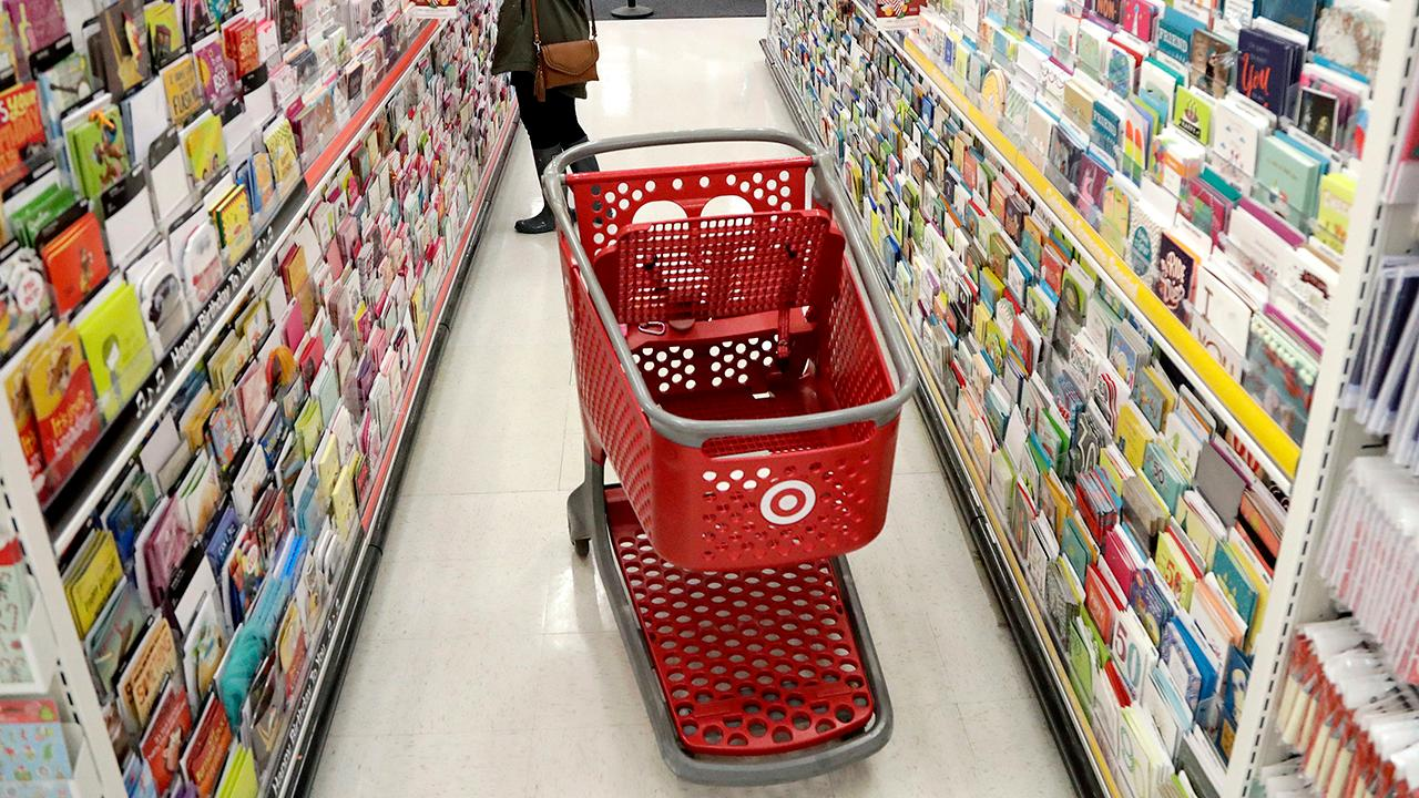 Retail expert Hitha Herzog breaks down Target's and Kohl's better-than-expected quarterly results.