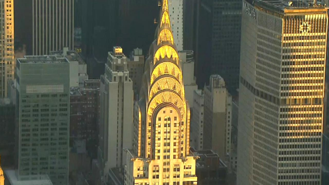 Fox Business Briefs: Iconic New York City Chrysler Building has reportedly sold for $150 million; there were nearly 250,000 more plastic surgeries in 2018 than in 2017 according to the American Society of Plastic Surgeons.