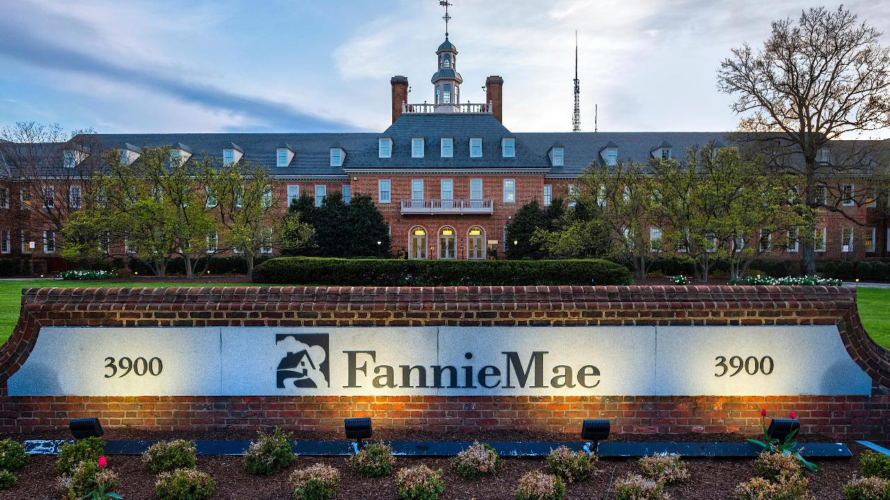 Former Fannie Mae executive Tim Rood and FBN's Charlie Gasparino on the Trump administration going after Facebook over housing discrimination in its ads and President Trump's push for  housing reform.