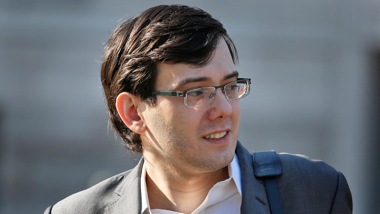 Former corrections officer Capt. Robert Johnson on reports former Turing Pharmaceuticals CEO Martin Shkreli is using a contraband cell phone to conduct business from prison.