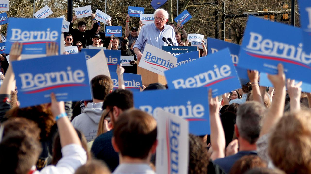 Maxfunds Founder Jonas Max Ferris, FBN's Deirdre Bolton, Fortune executive editor Adam Lashinsky and Kadina Group President Gary B. Smith discuss how Sen. Bernie Sanders (I-Vt.) is facing backlash over a comment he made in the 1970s.