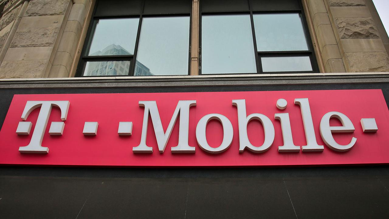 FBN's Charlie Gasparino says that DOJ officials are still studying the economics of the Sprint, T-Mobile deal.