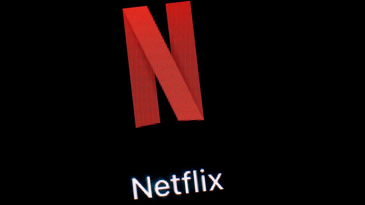 Fox Business Briefs: Netflix posts record paid subscription growth but investors are concerned about weak guidance in both profit and new subscribers; U.S. economy may be firing on all cylinders but retailers announce that nearly 6,000 stores will close this year.