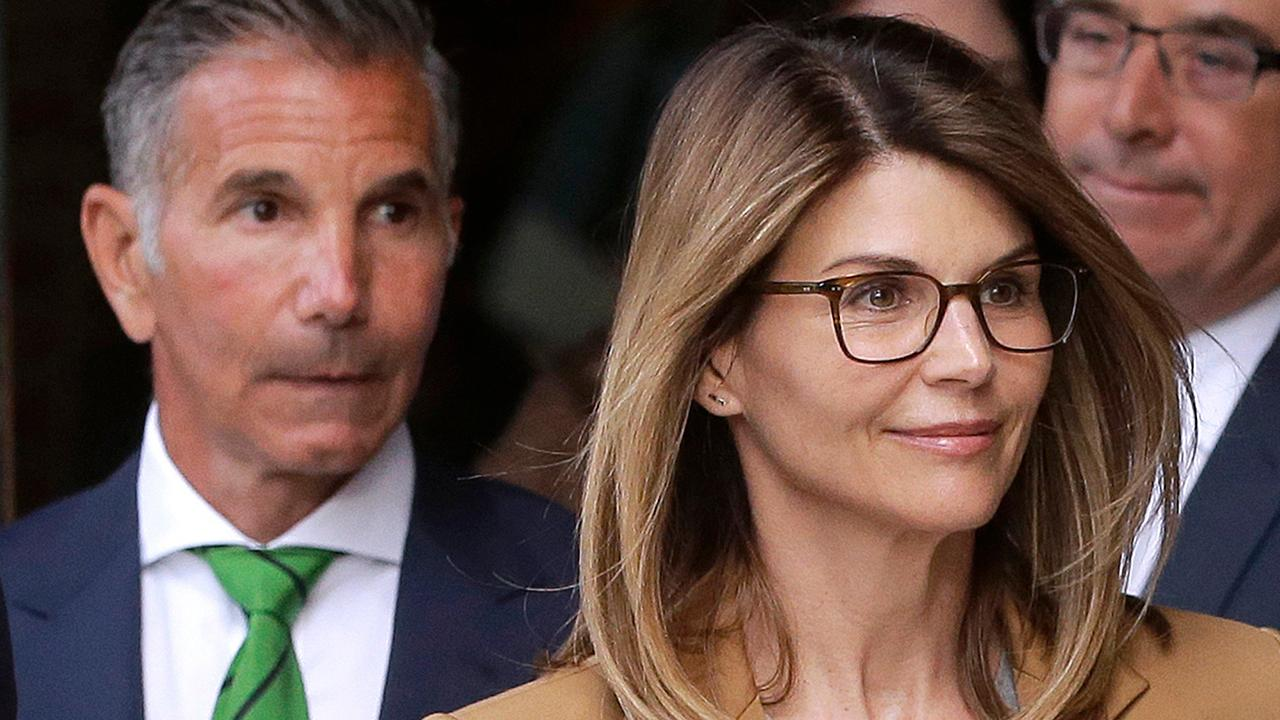 Fox News' Rick Leventhal and former federal prosecutor Fred Tecce discuss how actress Lori Loughlin pleaded not guilty in the college admissions scandal.