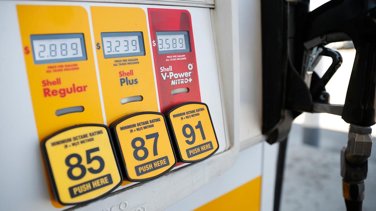 WSJ's James Freeman, Vision 4 Funds Distributors VP Heather Zumarraga, Kadina Group President Gary B. Smith and Barron's senior editor Jack Hough discuss why gas prices in California surged to a five-year high.