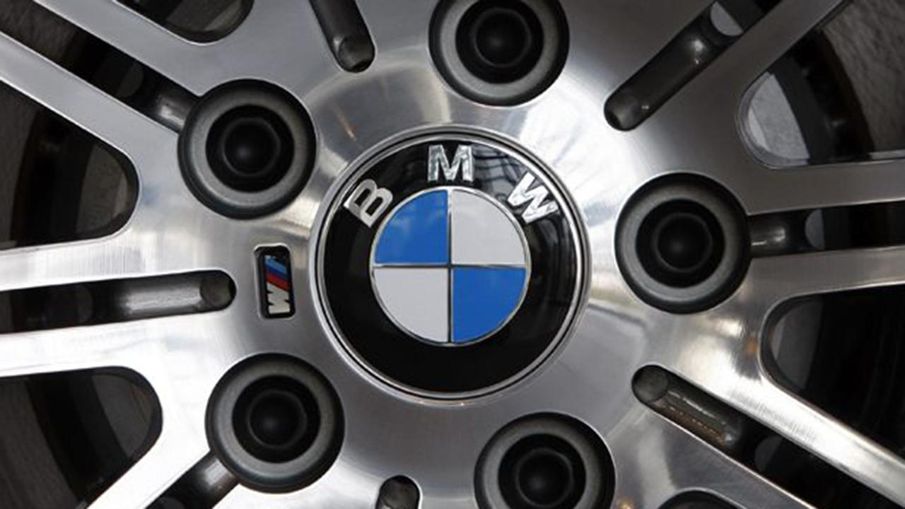 Fox Business Briefs: German automaker BMW expands a recall issued in 2017 due to the possibility of an engine fire in some of its vehicles; New York state is set to allow food stamp recipients to purchase goods online.