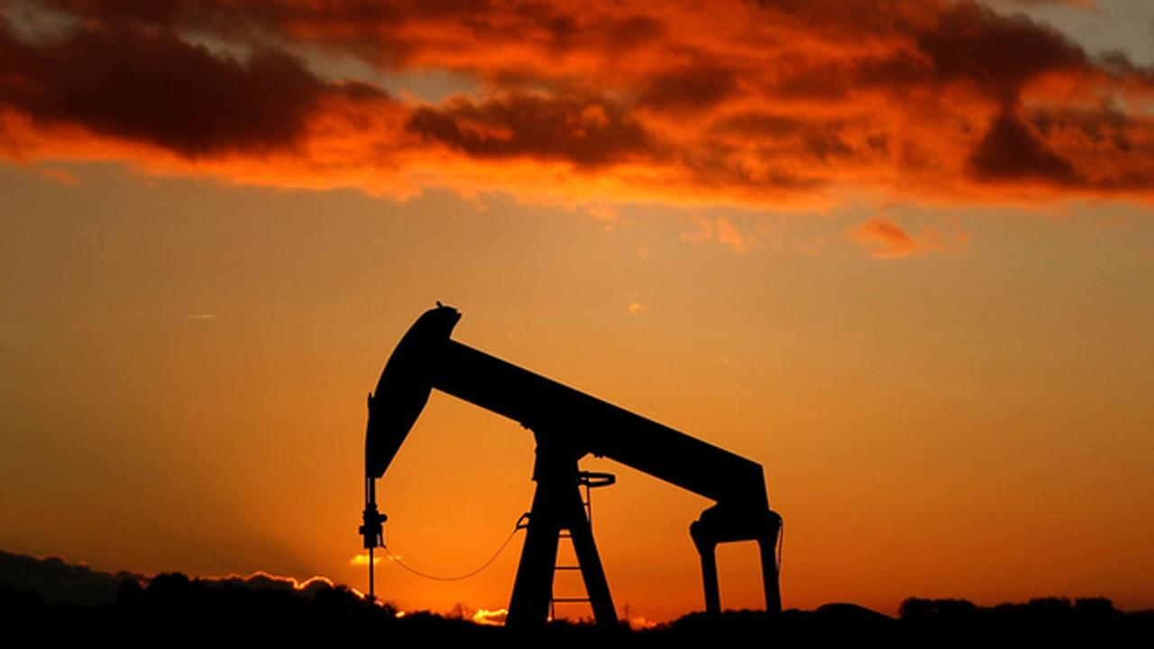 PRICE Futures Group senior analyst Phil Flynn on the outlook for oil prices.