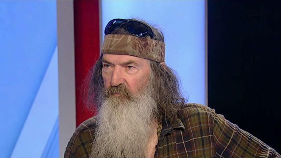 'Unashamed' podcast hosts Phil Robertson, Jase Robertson and Al Robertson on talking to President Trump about faith and being unashamed to be open about matters of faith.