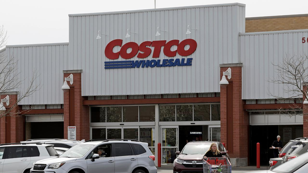 FOX Business' Gerri Willis reports on Costco's third-quarter earnings.