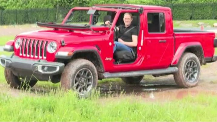 FoxNews.com Automotive Editor Gary Gastelu on Jeep's new pickup truck, the Gladiator.