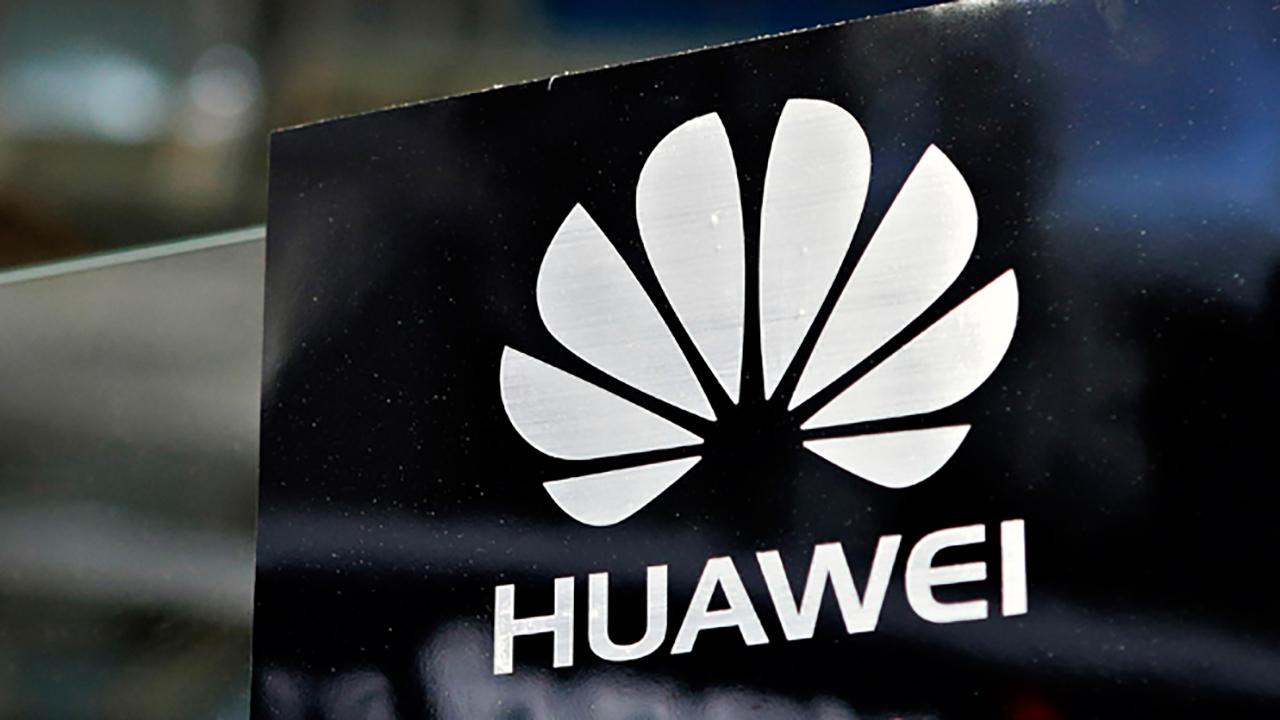 FOX Business' Maria Bartiromo talks to Huawei chief security officer Andy Purdy about the U.S.'s Huawei ban and whether the company is obligated to send information to the Chinese government.