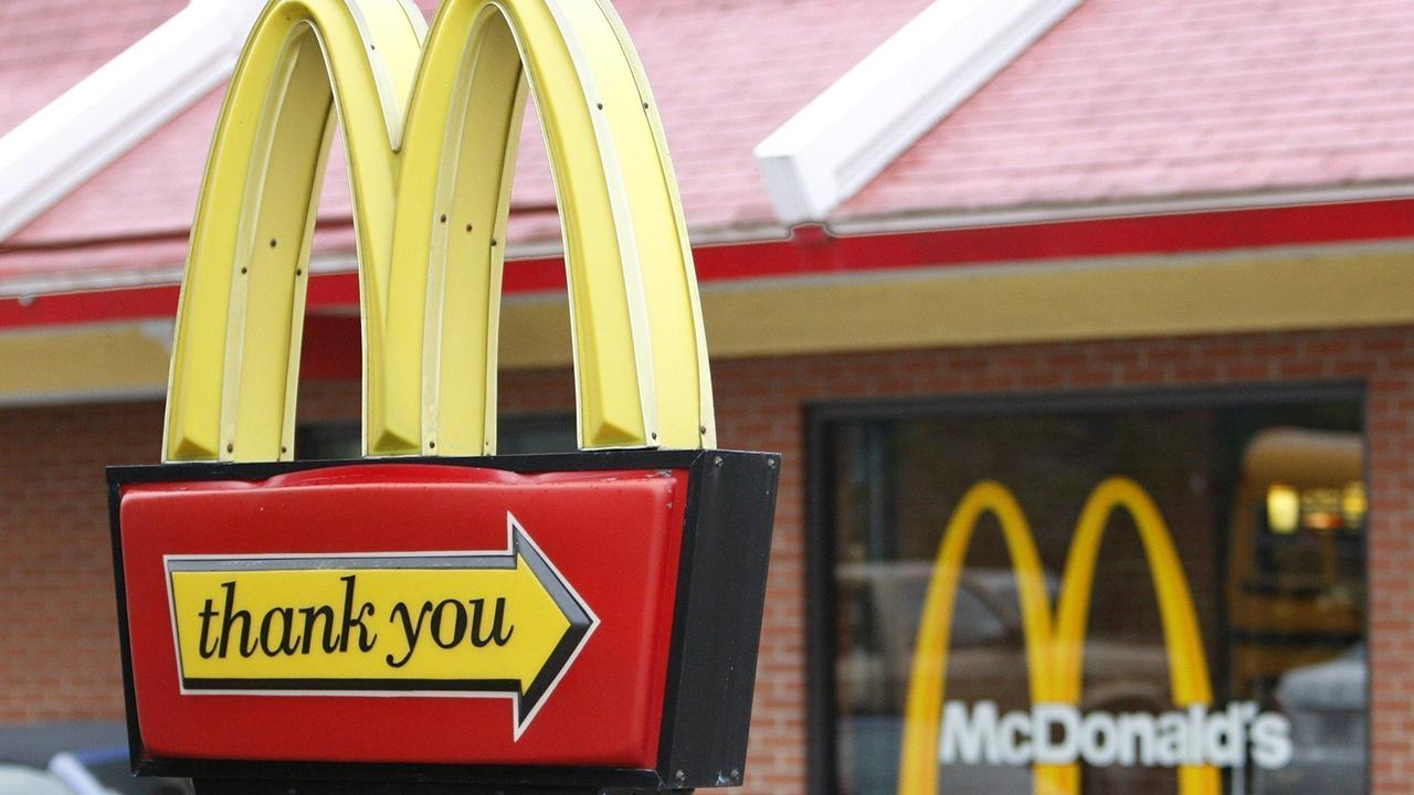 Fox Business Briefs: McDonald's is testing out robot fryers and voice-activated drive-thrus hoping the technology will help speed up customers' service; Taco Bell is opening a pop-up hotel in Palms Springs, California called 'The Bell.'