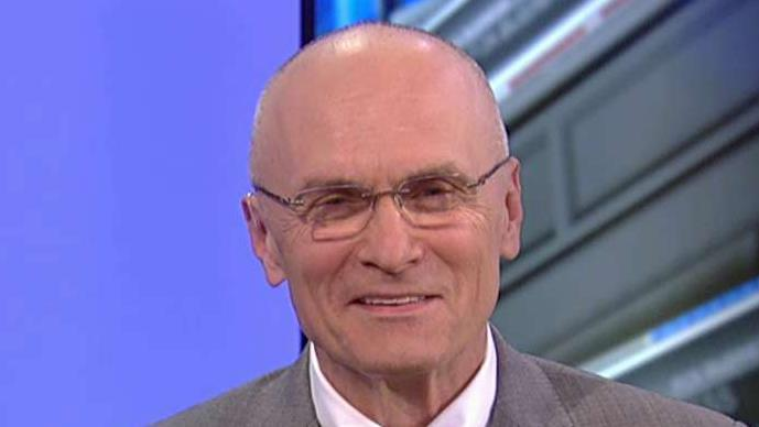 2020 Democrats targeted big business and argued that the economy is only working for the rich in night 1 of the debate. Former CKE Restaurants CEO Andy Puzder with more.