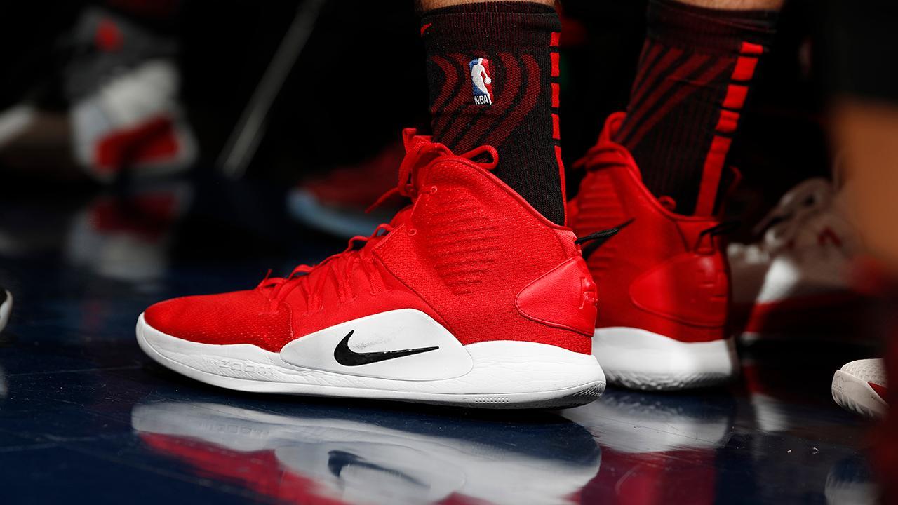 FOX Business' Gerri Willis reports on Nike's fourth-quarter earnings.